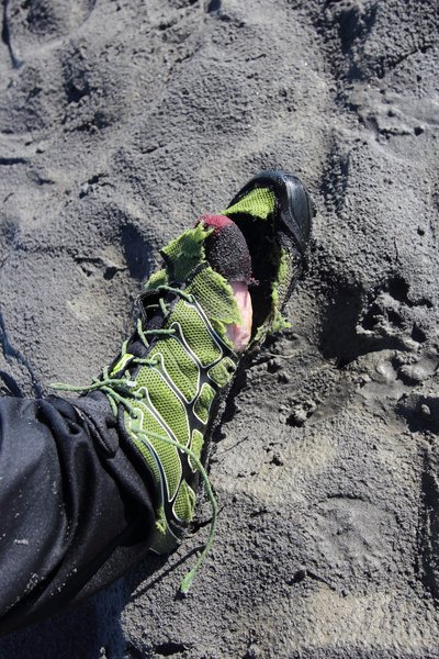 Inov-8 BareGrip 200 - Holes on the beach