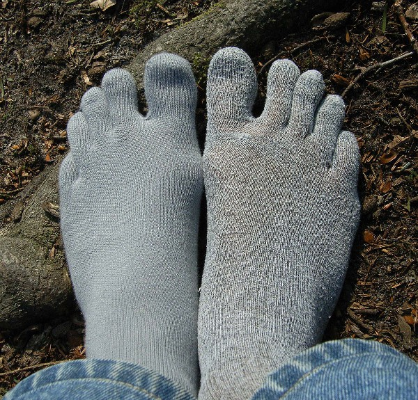 Blister-Free A Review Of ToeToe Thin Liner Toe Socks | Reviews | Toe Salad